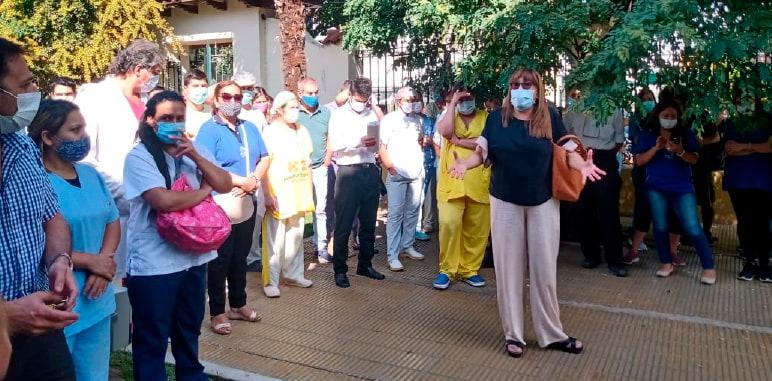 Reclamo por falta de pago de sueldos en el Hospital Español